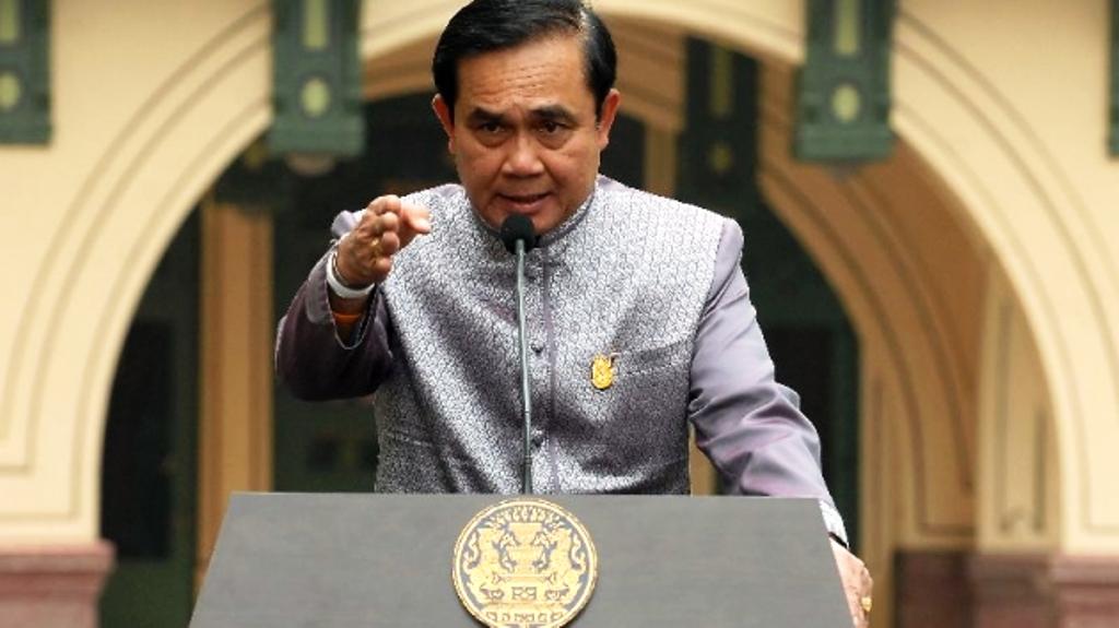 พล. อ. ประยุทธ์นายกรัฐมนตรี ประเทศไทย, พระราชกำหนดฉุกเฉิน, โควิด -19