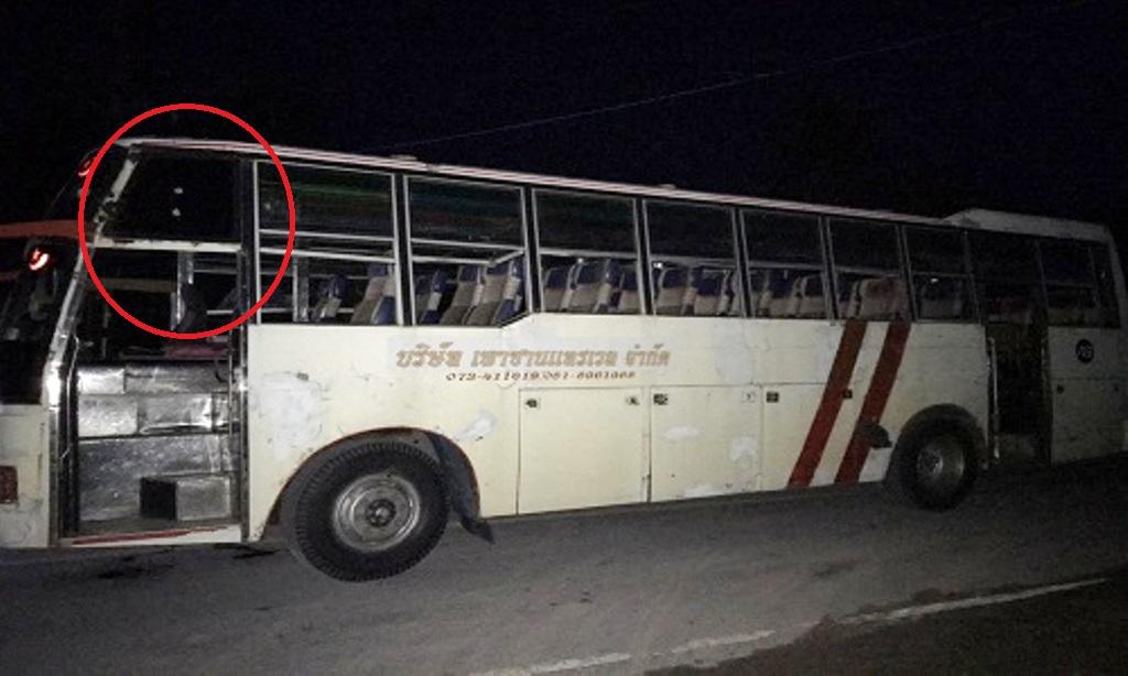 รวบตัวทหารเครียด ยิงปืนในฐานฯ โดนรถบัสนักเรียน โชคดีไร้เจ็บ