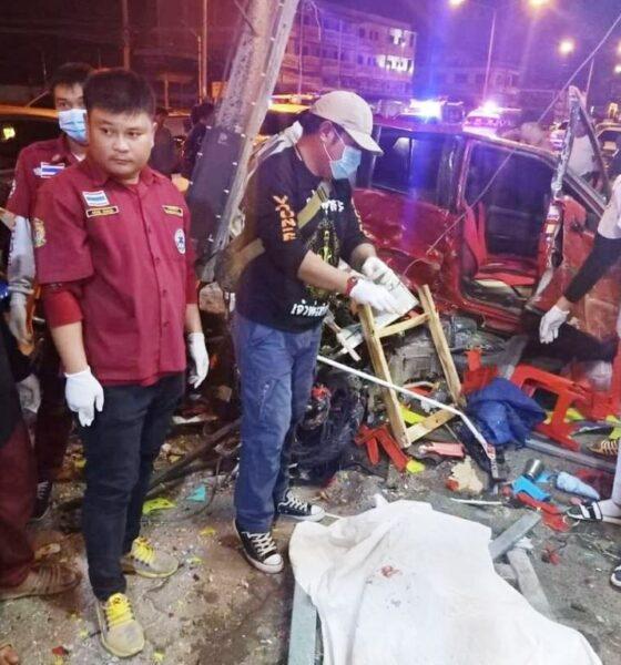 มีผู้เสียชีวิต 1 คนและบาดเจ็บอีก 7 คนหลังจากรถพุ่งชนร้านอาหารในจังหวัดเชียงราย