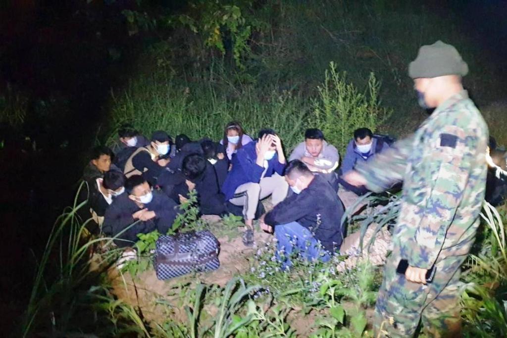 จับชาวจีน 16 คนชายแดนไทย - ลาวจ. หนองคาย