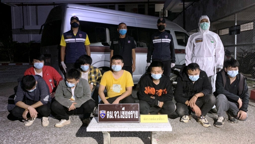 คนไทย 3 คนไม่สนโควิด -19 ระบาด! ลักลอบขนชาวจีน 9 รายเข้าเชียงราย