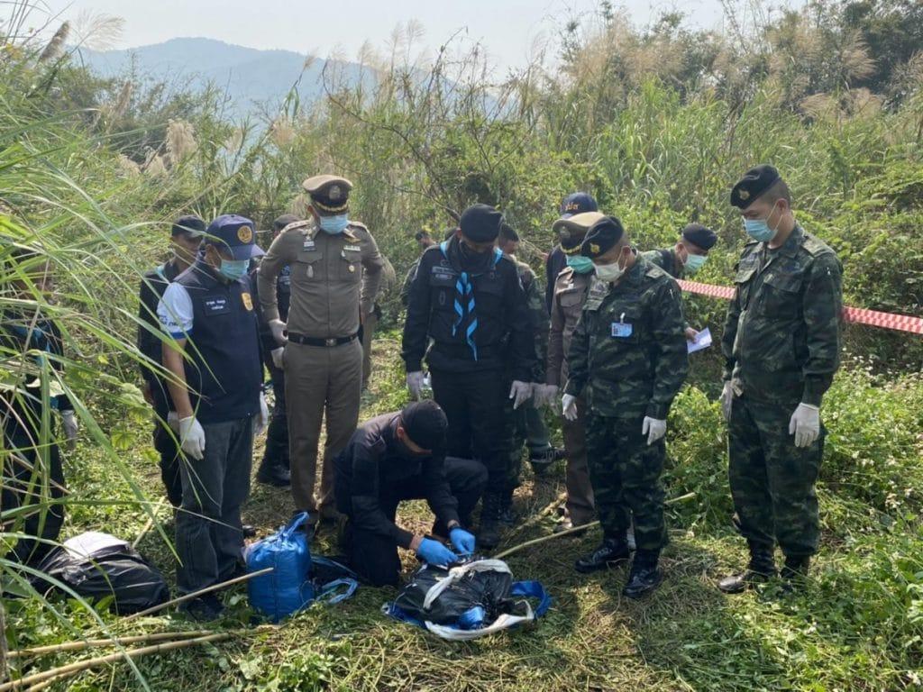 เชียงราย ทหารพรานปะทะเดือด คาราวานยาเสพติด จับเป็นได้ 3 ยึดยา 16 เป้ ทหารเจ็บ1