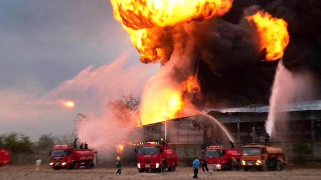 ไฟไหม้โรงงานรีไซเคิล วอดนับสิบล้าน