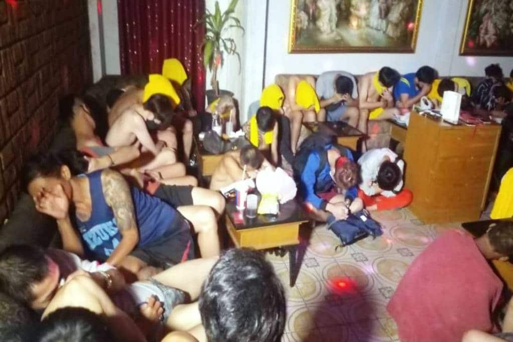 ตำรวจจับเกย์ 62 คนในปาร์ตี้เซ็กส์ที่ใช้ยาเสพติด