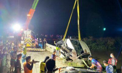 รถพุ่งชนสะพานแม่สาย เชียงราย เสียชีวิต 3 ราย