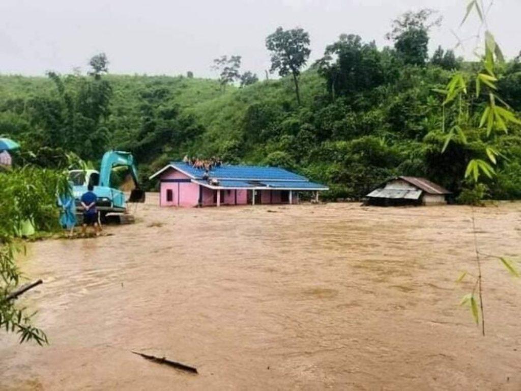 ฝนตกหนักสร้างน้ำท่วมใหญ่แม่สาย เชียงราย