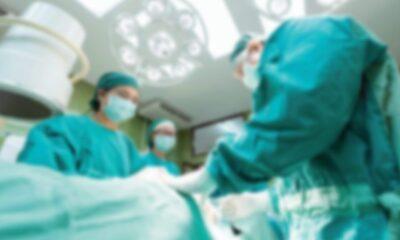 หมอทำการผ่าตัดคลอดให้ครูหญิงติดเชื้อโควิด ปลอดภัยทั้งแม่และลูก