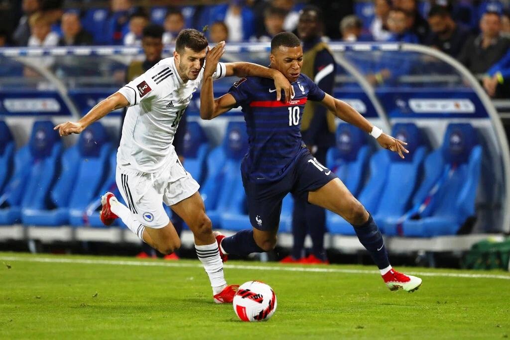 ฝรั่งเศส ฟอร์มฝืด เปิดบ้านทำได้แค่เสมอกับ บอสเนียฯ 1-1 ยังรั้งจ่าฝูงของกลุ่ม ดี