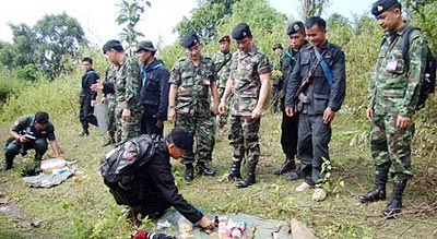 Soldiers of the Pha Muang Force Seized Drugs