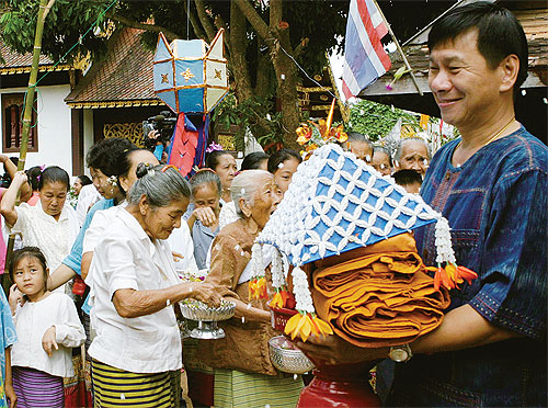 Buddhists Countrywide make merit on Buddhist Lent Day