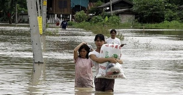 Floods in Northern Thailand Hit Burmese Refugee Camps