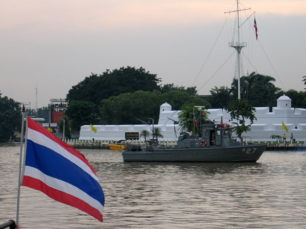 Thai to Assist in Chinese River Boat Policing
