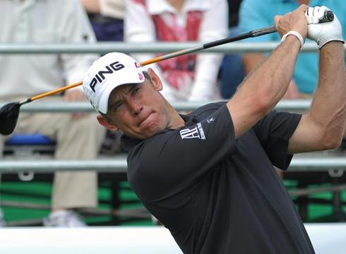 Lee Westwood leads by 11 strokes in Thailand