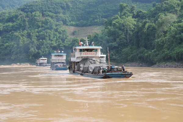 Chinese Ship Sheng Tai 11 Attacked on Mekong