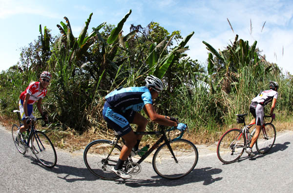 Terengganu Cycling Team Train in Chiang Rai