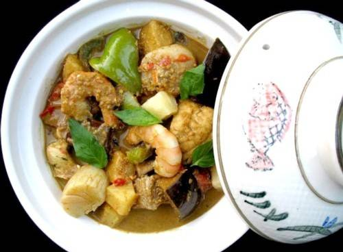 Thai Seafood Curry – Suwannee's Kitchen