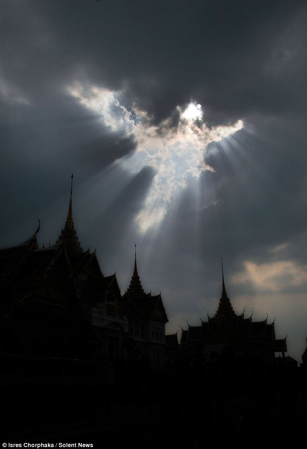Photographer Captures Angel over Thai Buddhist Temple