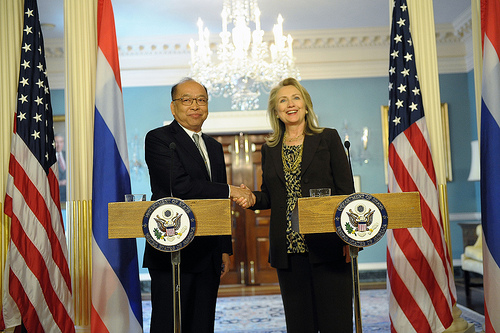 US Secretary of State Hillary Clinton Say's Some Myanmar Sanctions to Remain