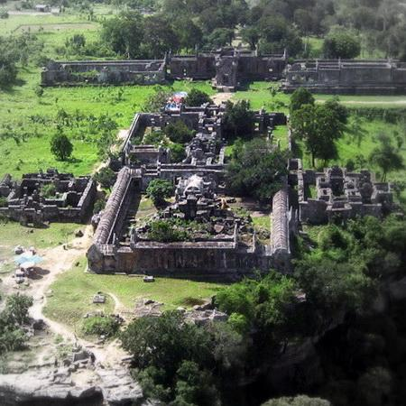 Thailand, Cambodia Get Closer to Troop Pullout from Preah Vihear Temple