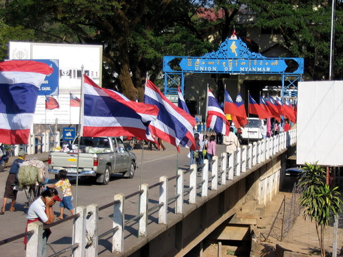 Foreign Ministry holds talks in Chiangrai over Boarder Passes