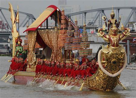 Thais Welcome Royal Barge Procession after Five Years