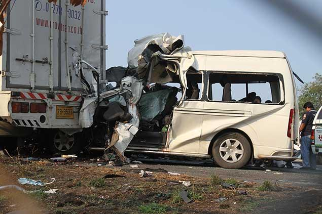 Eight passengers were killed in Feb. 2012, five others injured when their passenger van slammed into the back of a parked 18-wheel truck .