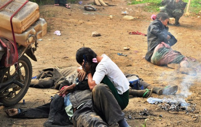 Burma Army fired heavy artillery into civilian areas – killing three and wounding a number of people.