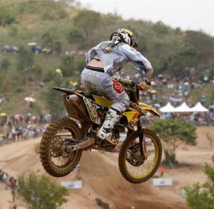 Desalle despite a big crash in the MX1 race, was able to continue racing and landed on the podium - Credit Suzuki Racing