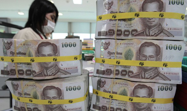 Bond Investment pushes Thai Baht to 19 Month High