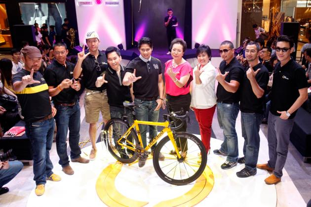 Thai Celebrities and Businessmen Launch a Cycling Club to Encourage Thais to Protect Nature