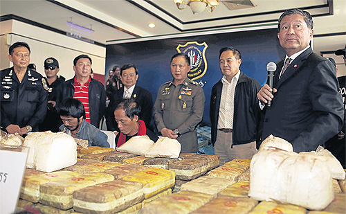 Deputy Prime Minister Chalerm Yubamrung briefs reporters in Bangkok on a major drug haul seized in Chiang Rai's Mae Chan district on Thursday night. SURAPOL PROMSAKA NA SAKOLNAKORN