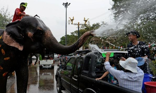"""Half Way Through Songkran's """"Seven Dangerous Days"""" 1,447 Road Accidents, 173 Deaths and 1,526 Injuries"""