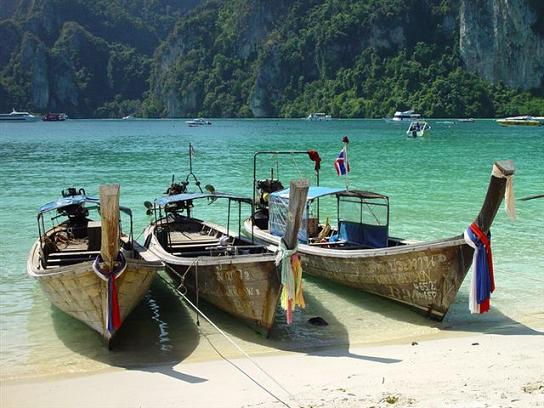 """long-tailed"" boats for hire to foreign tourists at Pipi Islands"