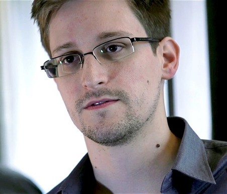 Whistleblower Edward Snowden has vowed to fight extradition to the United States