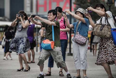 300,000 Thai tourists who visited Japan last year will definitely surge to 400,000-500,000 visitors