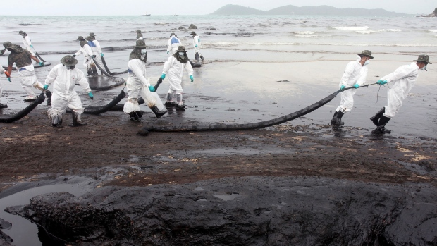 Waves of Crude Oil Spread Over Kho Sumet