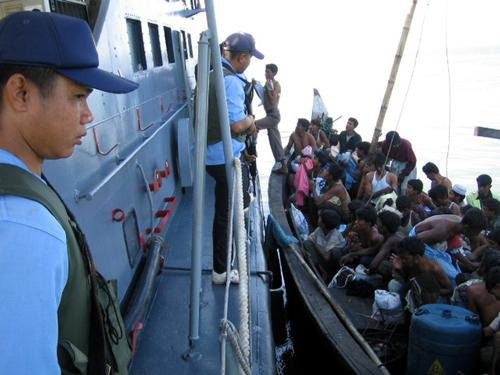 Thai Navy assisting Rohingya Boat People