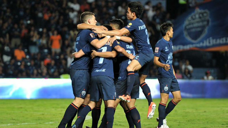 Buriram United continue to enjoy a one-point lead at the top of the Thai Premier League after beating Chiangrai United 2-0 on Saturday.