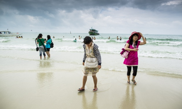 Tourists Warned Against Swimming at Phrao Bay, Samet Island