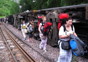 A State Railways of Thailand (SRT) train has derailed in the northern Thai province of Denchai, injuring 23 passengers.