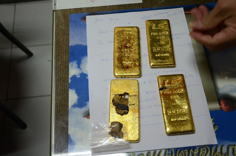 Mr. Suthep told our correspondent that the false gold was made neatly and barely noticeable for its flaws.