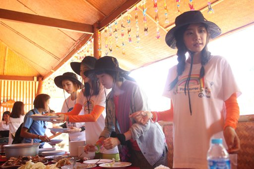 Korean Singers Girl's Day Reveal Photos from Volunteer Work in Chiang Rai