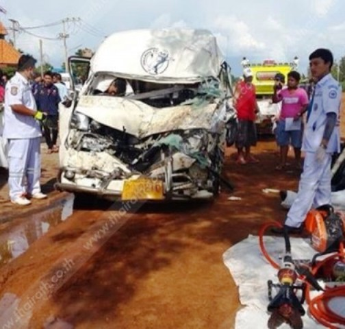 The fatal crash resulted from failed overtaking. Photo Thai Rath