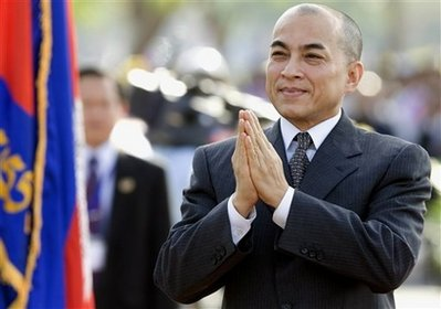 Cambodian King Urges Rival Leaders to Resolve Political Stalemate