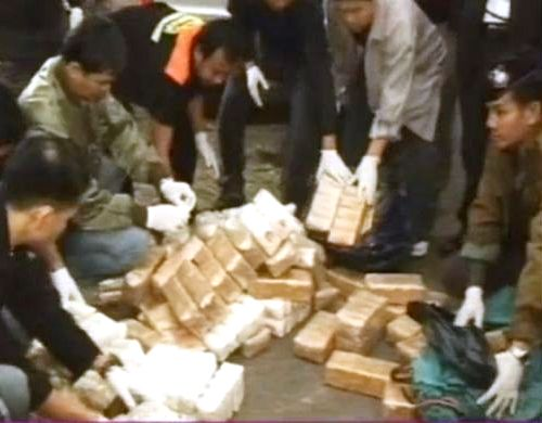 Two Hmong Youth Caught with 21,800 Yaba Pills and 58 kilograms of Methamphetamines in Phayao