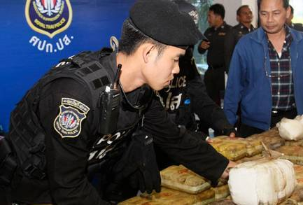 Chiang Rai Drugs Runners Arrested with Drugs Worth 4 Million Baht