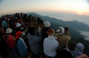Tourists Flock to Northern Thailands Mountains to Experience the Cold Weather