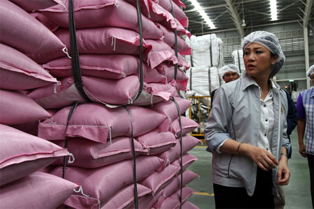 Commerce Ministry Has No Easy Options to Pay for Rice Subsidy