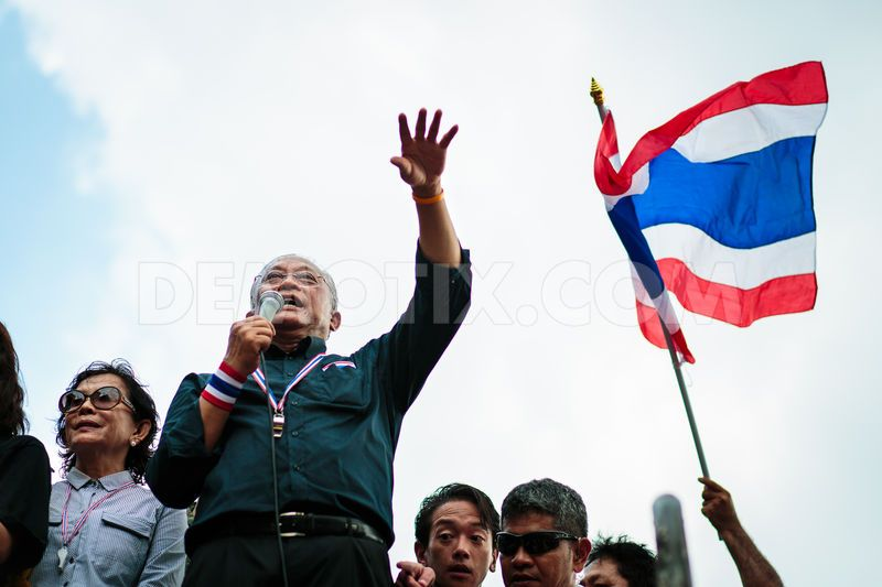 The Criminal Court approved an arrest warrant Tuesday for Suthep Thaugsuban