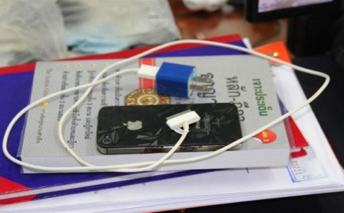 Thai Man Electrocuted to Death While Talking on Charging iPhone
